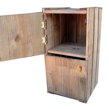 Criado mudo de caixote com 2 portas
