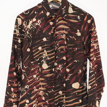 7d1840820 Camisa Feminina Manga Longa Estampada em Preto e Vermelho