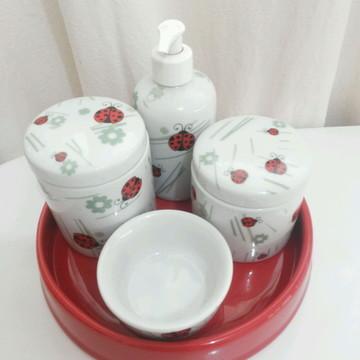 Kit higiene em porcelana Joaninha