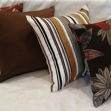 Almofada decorativa composê estampada