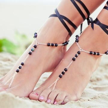 Sandália descalça corrente com contas