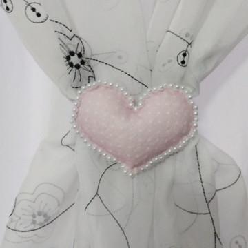 Prendedor de cortina coração feltro