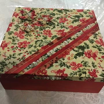 Caixa MDF em tecido 30 x 30 cm