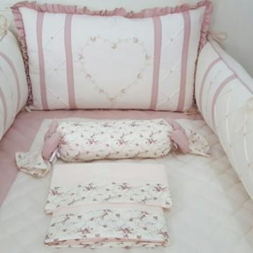 Kit Berço Coração Marfim e Floral rosê 8