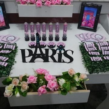 Decoração Paris Rosa com Preto