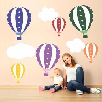 Adesivos Balões Coloridos e Nuvens