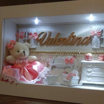 Porta maternidade com luz e urso