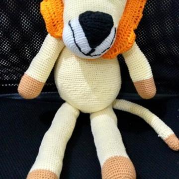 leão em crochê - amigurumi