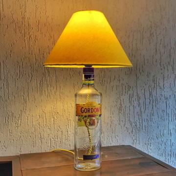 Abajur de garrafa Gordon's Gin