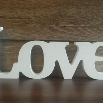 Palavra Decorativa em MDF LOVE em letra de forma