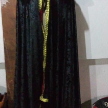 capa de exu preta e vermelha