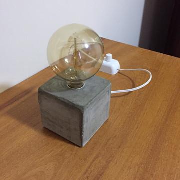 Luminária de Concreto Ao Cubo c/ dimmer