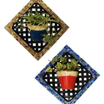 Conjunto de duas peças de mosaico em treliça de madeira