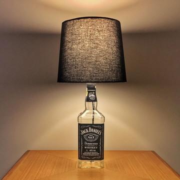 Abajur de garrafa Jack Daniel's