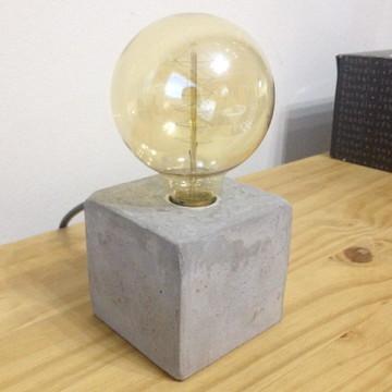 Luminária de Concreto Ao Cubo³
