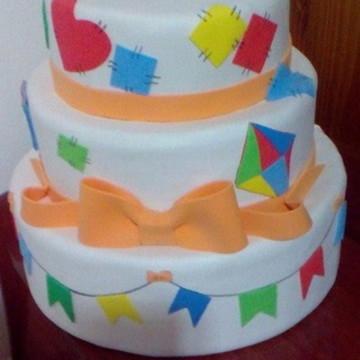 VENDA: bolo falso festa Junina