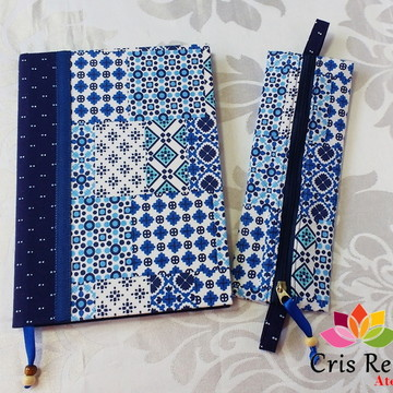 Caderno encapado com tecido e bolsinha