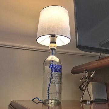 Abajur de garrafa de Vodka