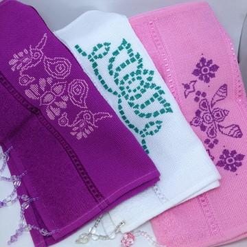 Conjunto toalha de lavabo com pedraria