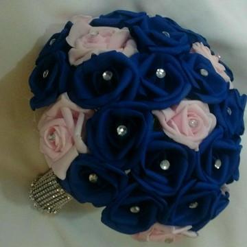 Buque azul com rosa