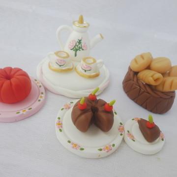 Miniaturas em biscuit para apliques