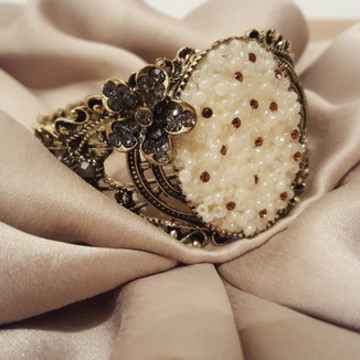 Bracelete Camafeu de Pérolas