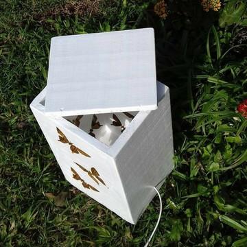 Abajur/luminária rústico c/ borboletas em madeira