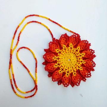Colar de Miçangas Flor 12 Pétalas Huichol