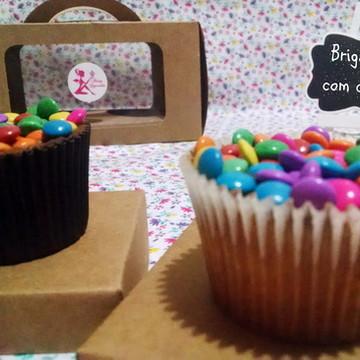 Cupcake de brigadeiro com confete