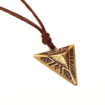 Cordão Camurça Triângulo Místico