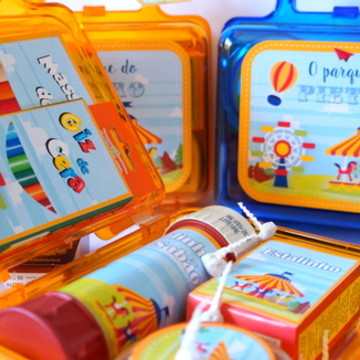 Kit diversão - Brinquedos + maletinha
