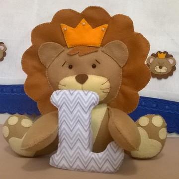 Leão em Feltro com Letra Personalizada