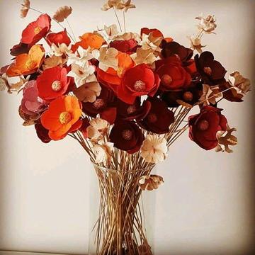 Arranjo de flores - de papel - decoração - vermelho