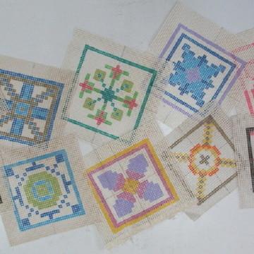 10 telinhas + 240 fios de lã
