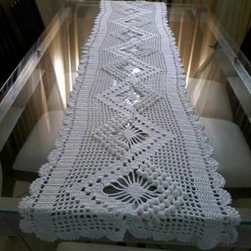 Trilho de mesa crochê filé