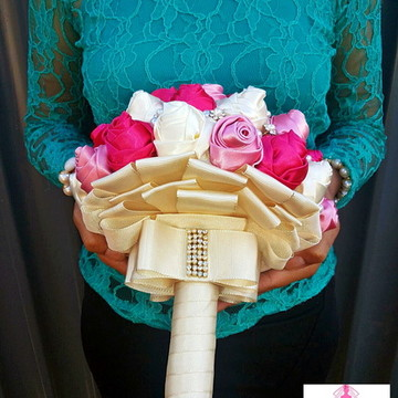 Buquê Noiva Botões de Luxo