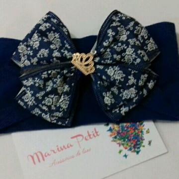 Faixa com laço floral azul e branco