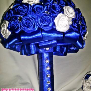 Buquê Noiva Azul Royal com Branco
