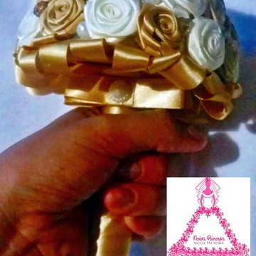 Mini Buquê Madrinha Dourado e bege