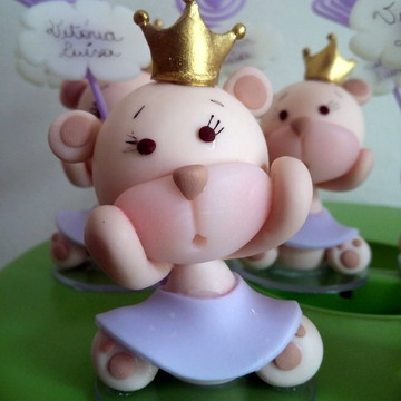 Lembrancinha de biscuit ursinha princesa