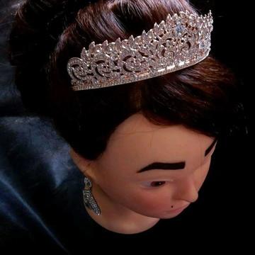Coroa tiara cabelo noiva strass