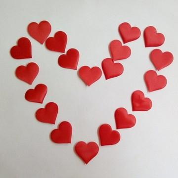 100 Petalas de rosas coração de cetim