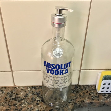 Saboneteira de garrafa de Vodka - Válvula Prata