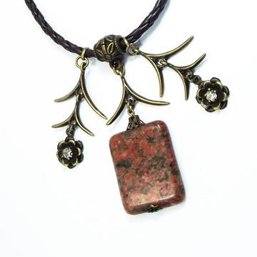 Colar com Pedra Obsidiana Marrom, Flor
