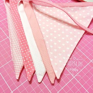 05 Bandeirinhas em Tecido Rosa