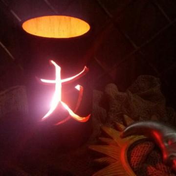 Luminária de bambu amizade