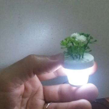 Mini vaso com flor e led 001