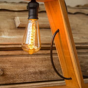 Luminária rústica de madeira - abajur