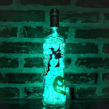 Luminária de garrafa Halloween