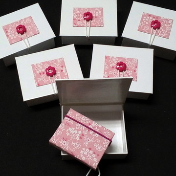 Kit Lembrancinha Caixa e bloco adesivo